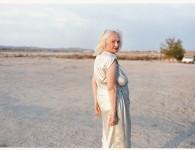 """Katie Murray: """"Dixie Evans"""" """"Schoonheid gaat over de manier waarop men zichzelf presenteert, de manier waarop men de wereld benadert. Het gaat ook over delen van ons die niet perfect zijn en tragisch."""""""